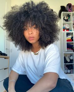 Image may contain: one or more people via Curly Afro Hair, Curly Hair Styles, Natural Hair Styles, Curls For The Girls, Queen Hair, Messy Hairstyles, Updo Hairstyle, Wedding Hairstyles, Natural Hair Inspiration