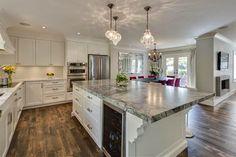http://decoracion.facilisimo.com/los-nuevos-espacios-para-una-cocina-clasica_1160149.html