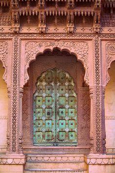 Adam Rabinowitz: Doors of India Mughal Architecture, Concept Architecture, Historical Architecture, Beautiful Architecture, Residential Architecture, Architecture Details, Portal, Most Beautiful Pictures, Cool Pictures