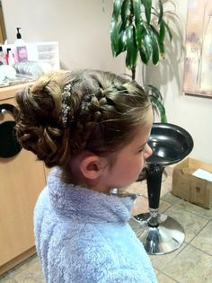 Abby - Flower girl hair - very cute! - For more amazing ideas visit us at http://www.brides-book.com and remember to join the VIB Ciub
