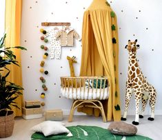 Babyzimmer im Safari-Look mit Senfgelb & Blattgrün You are in the right place about DIY Rug with words Here we offer you the most beautiful pictures about the DIY Rug from carpet you are looking for. Baby Bedroom, Baby Boy Rooms, Nursery Room, Kids Bedroom, Safari Nursery, Girl Nursery, Yellow Nursery Decor, Baby Room Decor, Baby Room Art