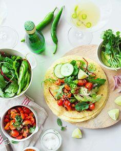 { NEW POST } Ay caramba!  Ce soir sur le blog on se fait un mexicain ! Au programme tacos aux légumes et Spicy Jalapeño Margarita.  Et si vous aussi vous souhaitez découvrir l'art du Slow Drinking (ou comment faire de la consommation de boissons alcoolisées un vrai moment de dégustation) je vous propose de remporter le kit du parfait Slow Drinker ( shaker un doseur un livret pour faire des cocktails des verres...) Pour cela c'est très simple vous avez jusqu'à vendredi pour :  1 Vous abonner…