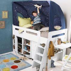 décoration de lit d'enfant avec tente bleu nuit étoilée- idée garçons