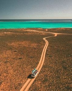 Taking the scenic route to coral bay 🙌🏻 After getting bogged for an hour and winding through a maze of sandy tracks, we finally found… Perth, Brisbane, Melbourne, Western Australia, Australia Travel, Wallpaper Travel, Places To Travel, Places To See, Westerns