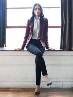 Trendy Business Casual Work Outfits For Woman 5 #womenworkoutfits #fashiondressescasual