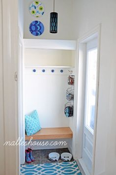clean and simple mudroom bench