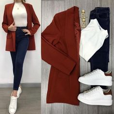 Savior Blazer Tile and High Waist Jeans ♥ ️ Lined Blazer TL . - Savior Blazer Tile and High Waist Jeans ♥ ️ Lined Blazer TL . Casual Work Outfits, Blazer Outfits, Business Casual Outfits, Mode Outfits, Classy Outfits, Chic Outfits, Trendy Outfits, Fall Outfits, Look Fashion