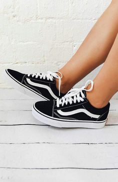 finest selection fa67f e40ad Vans Old Skool Sneaker - Black White