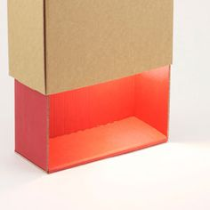 lampe en carton recyclé rouge recycled cardboard lamp - red