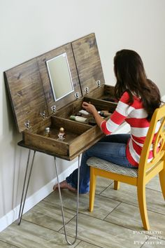Easy wood Projects For Teens Home Decor is part of Diy vanity - Welcome to Office Furniture, in this moment I'm going to teach you about Easy wood Projects For Teens Home Decor Makeup Vanities, Diy Makeup Vanity Plans, Diy Makeup Vanity Table, Vanity Ideas, Wooden Makeup Vanity, Makeup Drawer, Unique Home Decor, Home Decor Items, Make Up Tisch