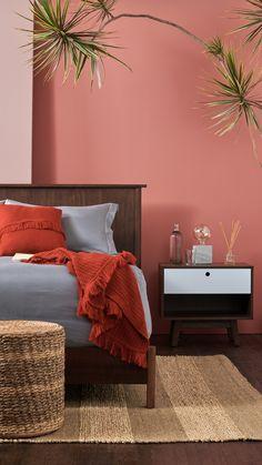 Bedroom Decor, Home Room Design, Room Decor, Home Decor, Salmon Bedroom, Glamour Living Room, Bedroom Wall Colors, Home Decor Inspiration, Apartment Decor