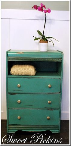 such a great idea for old dressers!!  Next time, I won't pass up a dresser that is missing drawers!