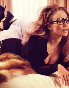 jenifer lopez doing geek chic Cameron Diaz, Mode Chic, Mode Style, My Hairstyle, Braided Hairstyles, Glamour, Scarlett Johannson, Pictures Of Jennifer Lopez, How To Have Style
