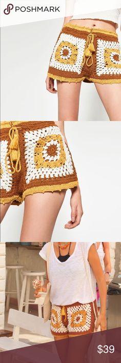 Zara crochet tassel shorts Like new condition ZARA bloggers favorite crochet shorts. Loose fit. Runs big to size. Fully lined. Elastic waist line Zara Shorts
