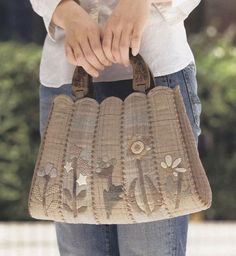How to make tutorial flower Bag Handbag purse women sewing quliting quilt patchwork applique pdf pattern patterns ebook