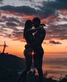 59 Ideas for travel couple pictures sunsets Cute Couples Goals, Couples In Love, Romantic Couples, Couple Goals, Romantic Gifts, Photo Couple, Couple Shoot, Couple Photography Poses, Beach Photography