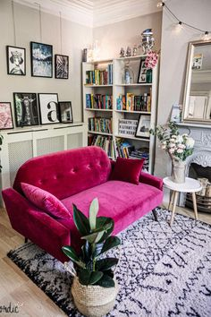 Pop of pink! Neutral living room with a gallery wall and a rasberry pink sofa. Decor Style Home Decor Style Decor Tips Maintenance Room Design, Interior Design, Bedroom Decor, Apartment Decor, Pink Living Room Walls, Home, Interior, Pink Living Room, Living Room Designs