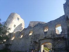 Zrúcanina Lietavského hradu. Mount Rushmore, Mountains, Nature, Travel, Naturaleza, Viajes, Destinations, Traveling, Trips