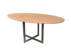 Op zoek naar een nieuwe tafel? De Tafelfabriek is de specialist voor uw eettafel op maat in diverse stijlen en vormen zoals eiken en ovaal.