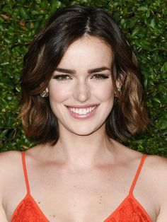 Gentleman Boners is a true gentleman's club. Only the finest eye candy of the classiest nature can be found here. Elizabeth Henstridge, Mary Elizabeth Winstead, Bob Haircut Curly, Iain De Caestecker, Photographie Portrait Inspiration, Female Character Inspiration, Good Looking Women, Marvel Women, Celebs
