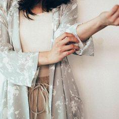 P01 米色棉質直腳褲(橡筋褲頭)  L01 灰色花布長外套