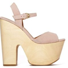 ShoeCult Wedges Size 5/35 Used it twice , comfortable platform, Perfect for Summer Shoe Cult Shoes