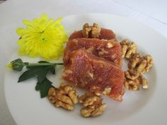 Birsalmasajt dióval Pork, Meat, Chicken, Recipes, Kale Stir Fry, Ripped Recipes, Pork Chops, Cooking Recipes