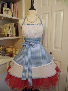 Dorothy of Oz apron by mimisneedle on Etsy, wonder if they have a GWTW one...