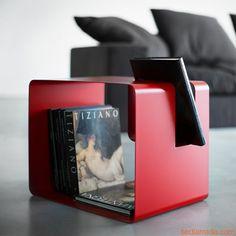 Libris | Tavolino o comodino portariviste in metallo, colore rosso papavero