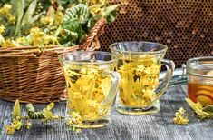 Summer lime tea with honey served in the garden Lime Tea, Moscow Mule Mugs, Cooking Tips, Spices, Food And Drink, Fruit, Bottle, Drinks, Tableware