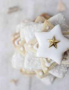Cottage Christmas, Noel Christmas, Christmas Goodies, Christmas Treats, Christmas Baking, Winter Christmas, All Things Christmas, Christmas Decorations, Star Decorations