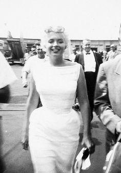 """eternalmarilynmonroe: """" Marilyn Monroe arriving in Chicago, 1955. """""""