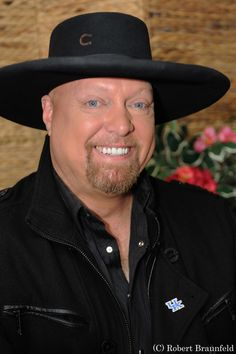Eddie Montgomery of country music duo Montgomery Gentry joined Profiles TV show, click to learn more about him and the band in our exclusive interview!