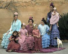 trajes de flamenca pol nuñez - Buscar con Google Flamenco Dancers, Happily Ever After, Folklore, Disney Characters, Fictional Characters, Culture, Disney Princess, Painting, Google