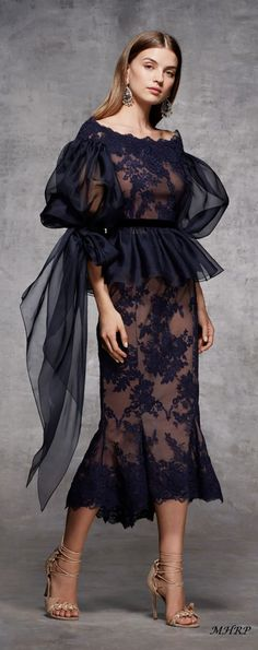 So beautiful – Moda-Creative thinking Trend Fashion, Fashion Moda, Fashion Show, Fashion Design, Women's Fashion, Fashion Black, Looks Party, Lady Like, African Dress