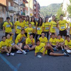 alguns dels alumnes de 2 ESO que van participar en la cursa solidària '14.