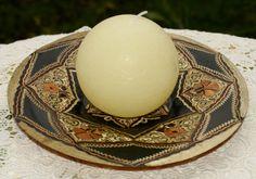 Eine Kupferteller mit kleinem eingraviertem Muster. Eine wunderbare Geschenkidee für den orientalischen Wohnstil.