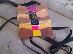 Selection of wooden bow tie's