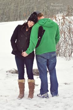 Winter Maternity Pictures, Maternity Pics, Maternity Session, Pregnancy Photography, Pregnancy Photos, Photography Ideas, Love Couple Photo, Couple Photos, Baby Pictures