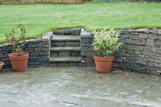 Roslin - low retaining wall and steps - Stone Inspired