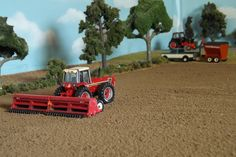 Model Farm Monday Week 185 | Customs & Display Journals ® | Toy Talk | The Toy Tractor Times Online Magazine