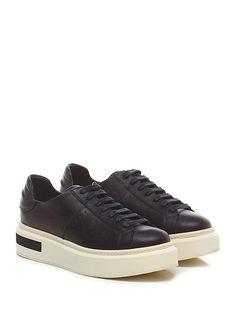 Manuel Barcelo' - Sneakers - Donna - Sneaker in pelle con suola in gomma, tacco…