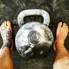 Just had some serious fun with this absolute bear of a thing ! @kettlebellkings 202lber, beautiful. #strongfirst #bigtexgym #kettlebellkings #olliequinntraining