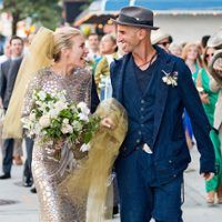 What do you think of Piper Perabo's Unique Silver Wedding Dress & @Sara_Gabriel  Gold Veil?