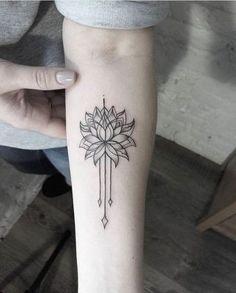 45 Sexy Mandala Tattoo Designs that Provoke the Fashion Within Mandala Tattoo – Fashion Tattoos Lotusblume Tattoo, Hand Tattoo, Get A Tattoo, Tattoo Small, Tattoo Eagle, Devil Tattoo, Knot Tattoo, Tattoo Forearm, Wrist Tattoos