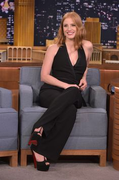 "Jessica Chastain Photos - Jessica Chastain Visits ""The Tonight Show Starring Jimmy Fallon"" at Rockefeller Center on October 2015 in New York City. - Jessica Chastain Visits 'The Tonight Show Starring Jimmy Fallon' Wrap Jumpsuit, Black Jumpsuit, Actress Jessica, Tonight Show, Jessica Chastain, Jimmy Fallon, Fashion Night, Celebrity Feet, Nice Tops"
