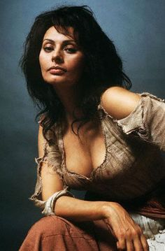 Beauty comes with age, it doesn't fade. - Ms. Sofia Loren<3