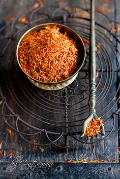 Saffron contains carotenoids which are thought to inhibit skin tumors, improve arthritis and promote healthy eyesight.