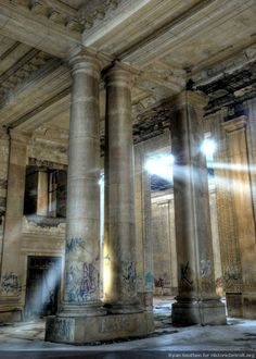 Michigan Central Station, Detroit. Closed in 1988 (I hate ruinporn but this building is magnificent and the lighting stunning.)