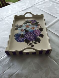 Decoupage Jars, Decoupage Vintage, Diy Crafts For Gifts, Home Crafts, Arts And Crafts, Tole Painting, Painting On Wood, Painted Trays, Hand Painted Furniture